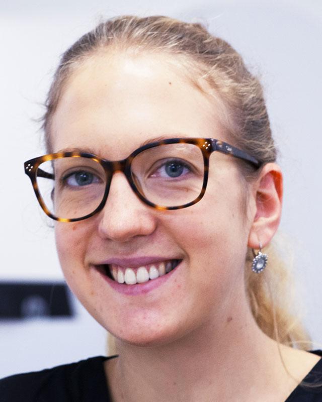 Dr Elizabeth DETAVERNIER